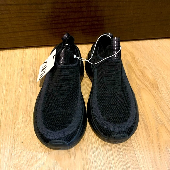 Zara boys sneakers BNWT size 31 or 13US